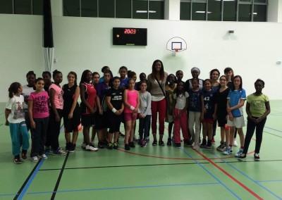 Le Paris Lady Basket rencontre sa marraine Diandra Tchatchouang